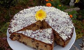 Mandlová buchta (bábovka, muffiny) s čokoládou
