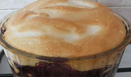 Zapečené těstoviny s borůvkovým džemem a peřinkou