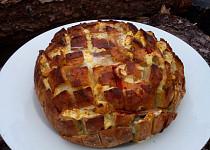 """Zapečený plněný bochníček - """"chlebový ježek"""""""
