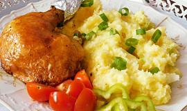 Kuře pečené na talíři - skoro dietní,  ale moc dobré