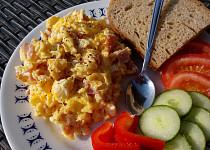 Nedělní míchaná vajíčka