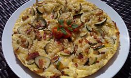 Cuketovo-těstovinová omeleta