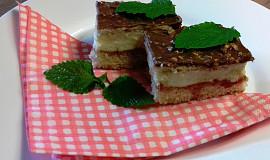 Krémový koláč se sušenkami a čokoládou