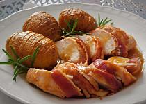 Kuřecí prsa pečená s bramborami na soli