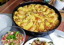Pečená rýže ve vývaru s kuřetem a pečené papriky