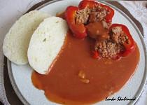 Plněné papriky v domácí rajské omáčce