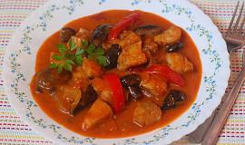 Rybí paprikáš s houbami