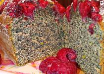 Makový koláč s malinami