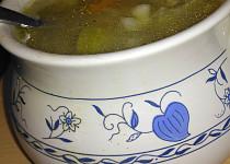 Polévka  z vepřových kostí s vaječným kapáním