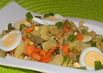 Cuketovo-bramborový salát