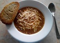 Naše polévka cibulačka