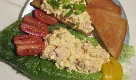 Vajíčková pomazánka s debrecínkou