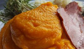 Dýňová kaše s mrkví a muškátovým oříškem