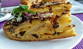 Obrácený jablečný koláč s brusinkami, skořicí a čokoládou