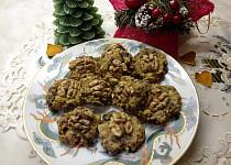 Ovesné placičky s ořechy a sušenými švestkami
