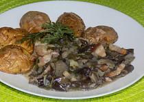 Houbová specialita s pečenými brambory