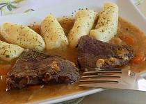Losí maso na mrkvi a celeru