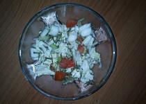 Salát z čínského zelí a jarní cibulky