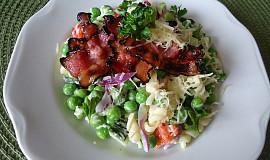 Hráškový salát se slaninou
