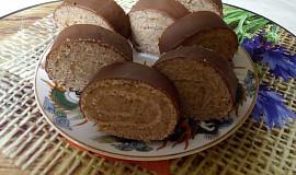 Ořechová roládka plněná ořechovým krémem