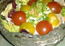 Pikantní okurkový salát s olomouckými tvarůžky