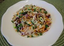 Zelný salát s mrkví a semínky