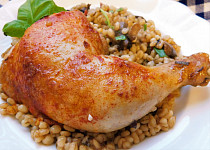 Kuře pečené na žampionových kroupách