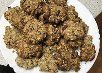 Ovesné sušenky s ořechy a čokoládou