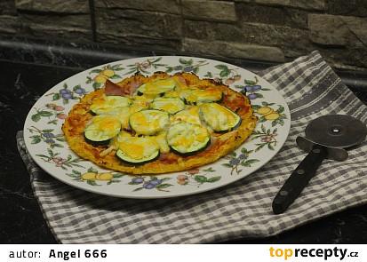 """Zeleninová """"pizza"""" podle břicháče Toma"""