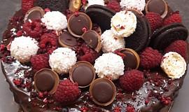 Čokoládový dort s malinami
