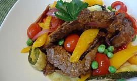 Flank steak se zeleninou