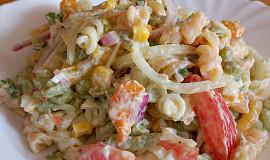 Salát plný zeleniny