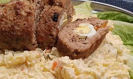 Plněná sekaná roláda s bramborovým salátem
