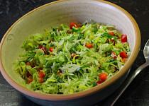 Pórkovo-zelný salát s medvědím česnekem
