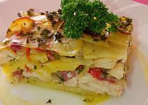 Zapečené bylinkové brambory s kuřecím masem