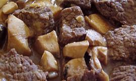 Hříbkový hovězí skoro - guláš