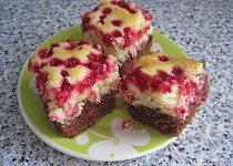 Dvoubarevný rybízový koláč
