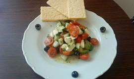 Zeleninový salát s mozzarelou