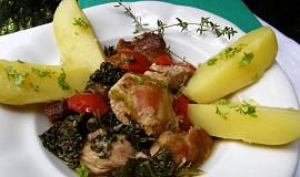 Vepřové  na tymiánu s kapustou a rajčaty