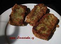 Sýr v parmezánovo-bylinkové strouhance