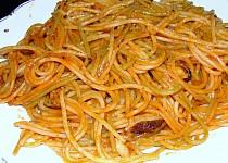 Ostré plody moře se špagetami tří barev