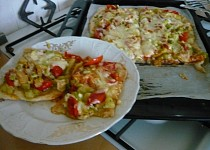 Cuketová pizza na listovém těstě