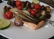 Losos s marinovaným zeleninovým špízem a kuskusem