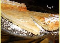 Tvarohovo-medovo-skořicový koláč