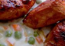 Kuřecí kostky s kedlubnovo-hráškovým bešamelem