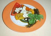 Pečená zelenina s bazalkovo-sýrovou omáčkou