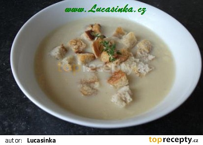 Krémová polévka z pečeného česneku