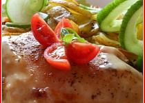 Kuřecí prsíčka s tvarůžky, paštikou a česnekem