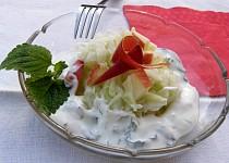 Kedlubnový salát s jogurtovou zálivkou s meduňkou