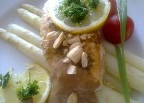 Marinovaný losos s pikantním  přelivem ze zázvoru